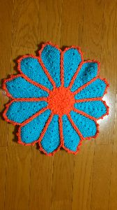 編みものが好き ブルーのほうが小さくなっちゃった😜