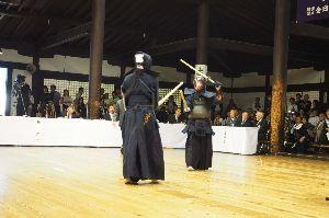 剣道 だいすき♪です^^ モエパパさん、こんにちは。 先日の京都大会でお会いして嬉しかったですね。でも時間がなくて、稽古をお願