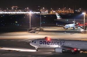 JAL日本航空の機材運用とコンフィグ 11月6日の夜に、767ドメ機のJA8980が、羽田の国際線ターミナルから西の方へ飛んで行きましたが