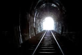 9726 - KNT-CTホールディングス(株) お 1300台回復か。 ヨカヨカ(・∀・)イイネ!!  長く暗いトンネルから 遠くに明