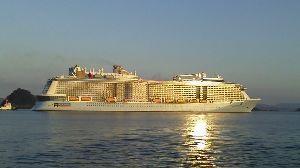 今 思ってる事 とわこさん  こんばんは  お久しぶりです 元気でしょうか  今日は 世界第2位の豪華客船が来ました