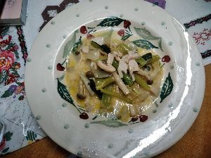 初pc50~60代の方の談話室 最近蒸し野菜にこってまして 本日は温野菜サラダを。  食べかけです(;_;)/~~~
