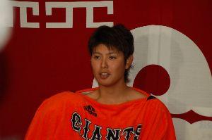 (仏の小川語録集) >野村さんはこういった選手を上手に起用し再生したのに、 再生どころかチャンスも与えないでゴミ箱に捨て