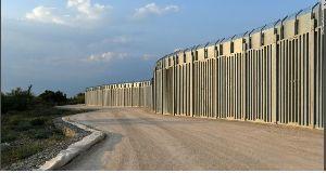 9509 - 北海道電力(株) ギリシャ、対トルコ国境 40Km  どこの国でも国境壁を 当然国費だ 日本も安全ではない原発周辺だけ