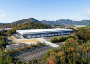 8890 - (株)レーサム 1/20付lnews 2020年11月、竣工東広島志和物流センターはメープルツリー ロジスティクス