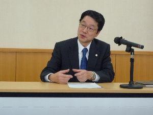 心の病気で悩んでる方 2ch等で批判を浴びている近藤壽邦裁判官 「裁判・司法雑談スレ」で検索すると書かれています。  写真
