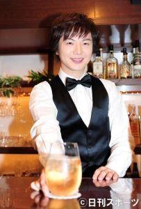 竹島宏☆♪に…癒されて…。 素敵なバーテンダーさんです こんなお店あったら毎日通いますね しかも薬酒だなんて・・・元気いっぱいに