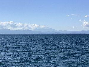 1491 - 中外鉱業(株) こんにちは😃 今日も天気が良いのでいつもの海に来て見ました。 秋晴れで富士山も見えて最高に気持ちが良