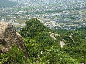 山歩きしませんか 久しぶりの「右田ヶ岳」  早いもので6月も前半終了しつつありますが、梅雨の合間の貴重な晴れの日となっ