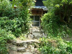 遠江国亀久保村長郷(周智郡森町亀久保497) 亀久保長郷はお茶文化があります、お茶文化山荘でお茶をたしなみます、 山の中の古い風流な建物です、ここ