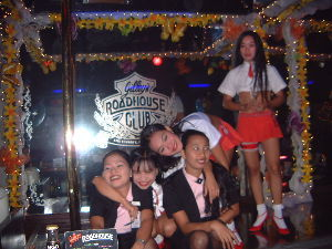 分家バリバゴクラブ balibago2003 です、、、 全員の、、 点呼を、してます、、、 国内組、、 ヒリピン組、、