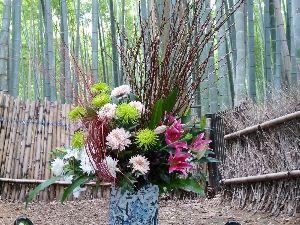 一枚の写真から おはようございます。  今日も京都の様子を投稿させて頂きます。 数年前の嵐山花灯路嵯峨野竹林の道で撮