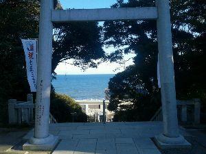 落ちこぼれ集まれ・・・・ ある神社からの海の眺め。 ここは津波が来ても大丈夫です。