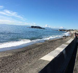 神奈川西部 軽スクーターでツーリング! こんばんはー 今日ちょっと江ノ島、鎌倉近辺を走ってきました。 とても気持ちよかったです。 あ、ただ自