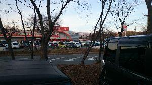 長野に帰ってきました!・・・友達探し^^ ビック5パーセント引きで何時もの側に駐車出来なくて道路挟んだ駐車場に、停めた。?消えちゃうよCoCo