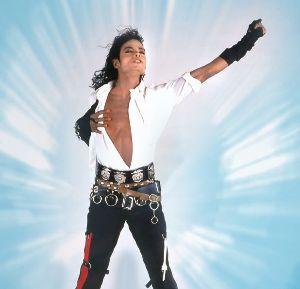 マイケル・ジャクソン・スーパースター マイケル復活!? 3年半ぶりアルバム 日刊スポーツ 3月31日(月)22時35分配信   09年に5