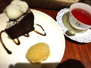ともみぃ~♡のぉ~caffe にぃ~ようこそ。 うちも食べてるぞ〜  今日はハム参加日だーヾ(〃^∇^)ノわぁい♪