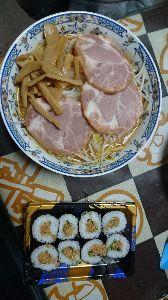 カフェ京都 永谷園の、鍋🍲用の味噌煮込みラーメン🍜🍥の、スープが残っていたので、それを使ったら、結構美味しいラー