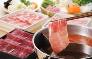 今日の話題♪ りーこちゃん、昨日は、お肉の機械で しゃぶ用のお肉スライスしたのー おっかなびっくり 教わったよ(