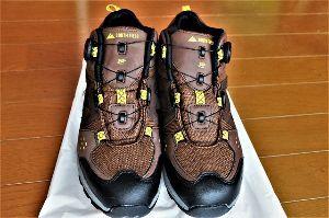 60歳になりました♪ おはようさんで~す♪ ダイヤル式登山靴、カルチヤー・ショックを感じました。 こんな便利な登山靴、もっ