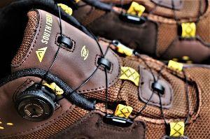 60歳になりました♪ 23年5月に購入した登山靴。 女峰山・十一面観音の壁を登る(ボルダリングのようでした)際に滑ったり、