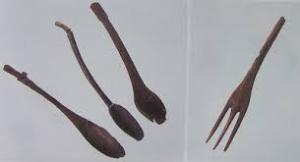 !!日本意外史!! フォークが映っていませんでした 弥生中期の遺跡より出土のフォークとスプーン