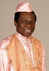 芸能関係山手線ゲーム 19.オスマンサンコンさん  1949年3月11日生まれ ギニア駐日大使で日本で8年住む、その後笑っ