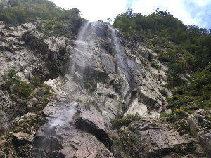 埼玉県北で登山仲間探してます(^^v こんばんは~ 今日は南アルプス神宮川の濁沢大滝に行ってきました! 雄大な景観を楽しんできました。(^