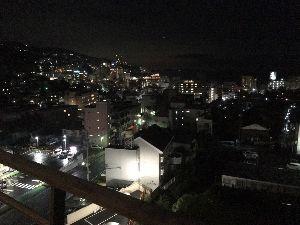 埼玉県北で登山仲間探してます(^^v 宿から見える熱海の夜景が綺麗です。✌️‼️