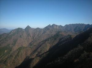 埼玉県北で登山仲間探してます(^^v おはよーございます! お姉さま、独りワインバーなんて何とも優雅なひと時を楽しまれてますね。(^^v