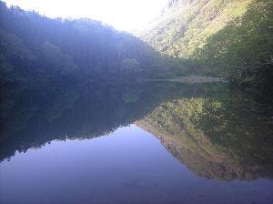 埼玉県北で登山仲間探してます(^^v おっ、とりさん、これは五色沼かな? この沼の水も遠くから見ると綺麗ですよね♪ オイらは近くにあるこの