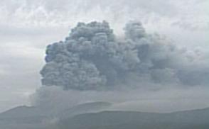 来週のレンジ予想 【新燃岳噴火】 宮崎、鹿児島県境の霧島山・新燃岳(しんもえだけ)(1421メートル)が11日午前5時