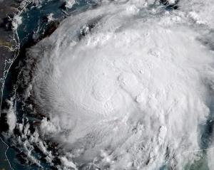 来週のレンジ予想 【ハリケーンハービー】 大型ハリケーン「ハービー」が直撃したテキサス南部のメキシコ湾岸地域では、豪雨