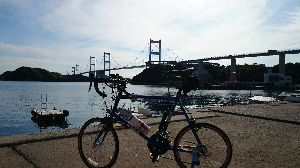 しまなみ海道!走破にむけて^^/ 大島から今治へは来島海峡大橋を渡ります^^/ しまなみ街道サイクリングの最後を飾る橋です^^/ しま