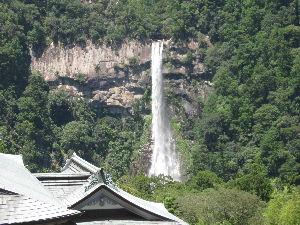 これからの人生(@^▽^@) やはり朝から蒸し暑く、雨ですね☂ 今週は金曜日から西国三十三観音巡りの1番札所 青岸渡寺に一泊二日で
