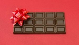 (    ●●    ) もわあ~ すんず~。 日付変わってしまったけど チョコのお届けものです。  早く帰ってこい(*•̀ㅂ