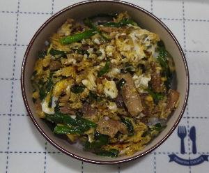 今夜のおかず サンマの缶詰とニラの卵とじ丼 材料(2分) サンマの缶詰(蒲焼缶)…1缶 ニラ&hel