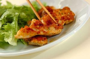 今夜のおかず ■鶏むね肉のふっくらピカタ <材料 2人分> 鶏むね肉 1枚 塩コショウ 少々 白ワイン