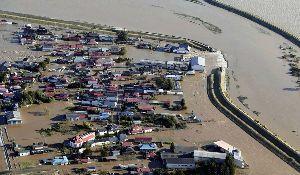 998407 - 日経平均株価 決壊した場所は不自然に屈曲して川幅が狭くなっています これでは何度修復してもマズイと思います