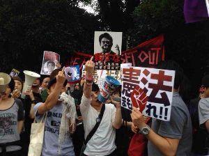 小池百合子・東京都知事 簡単な在日コリアンの見分け方!  中指立てて相手を威嚇するのが在日韓国・朝鮮人(# ゚Д゚)  日本
