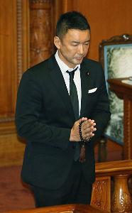 小池百合子・東京都知事 売国パフォーマンス議員・朝鮮(山本)太郎を逮捕しろ!!  この男、カジノ法案の時、国会で牛歩戦術をし