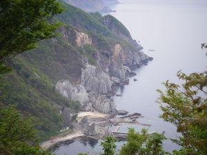 一枚の写真の思い出~。 仏ヶ浦 ほとけがうら 市町村:佐井村  風雪厳しい津軽海峡の荒波が削り上げた大自然の造形、仏ヶ浦は冬