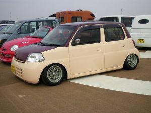 暇潰しで自動車の名前しりとり エッセ=さ行  ダイハツの車です!!  次は「さ行」からでお願いします!!