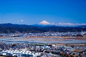 /^д^\富士山好きな人の部屋 今年2月晴れた日の静岡県島田市の牧の原公園からの富士です、遠いので中々見れません