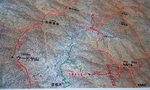 九州 大分発 山歩きしています。 因みにウードヤとは、 イノシンがヌタ場でノミやシラミを落とす場所らしいです。 ヌタ場は、数ヵ所ありま