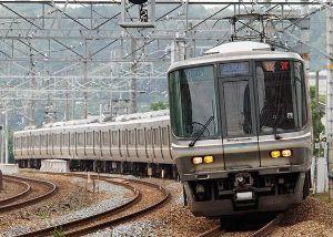 5406 - (株)神戸製鋼所 アルミはKOBELCO  自動車軽量化に対応するもう一つの解答がアルミ化技術です。神戸製鋼は、アルミ
