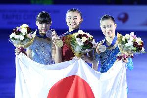 ☆オカマと討論会☆ ジューイさん、おはようございます。  ヨーロッパ組が出ない四大陸選手権の女子は、表彰台を 日本の女子