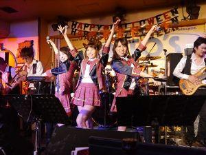 横浜ケントスに ご一緒していただける 女性を募集します。 girl's song night.....y(~_~)y たーまーりーまーせーん。(^Q