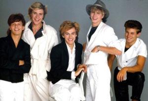 80年代・90年代の曲をもう1度 今日載せるのは、78年にバンドを結成、その後80年代から90年代にかけて、アメリカだけでなく日本でも