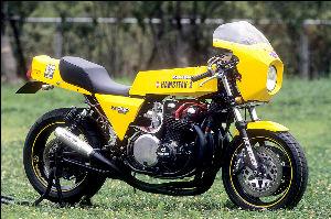 なんか楽しいことあるといいな♪ 昨日の車種名まとめ(^。^)y-.。o○  250cc:DT200R、RGγ250、R1